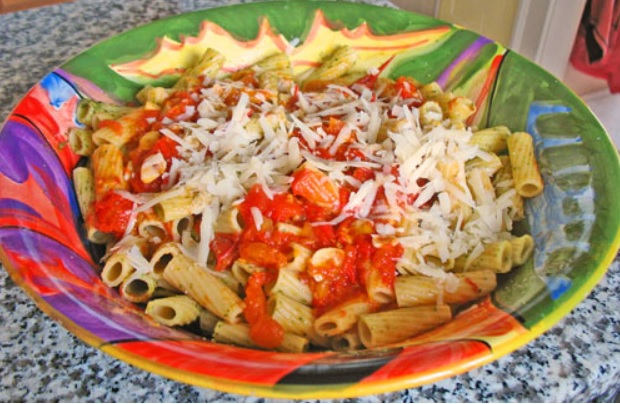 Bowl of Pasta (w sause)