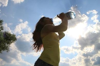 drinking-87155_640